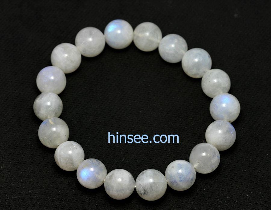 กำไล Moom stone bracelet