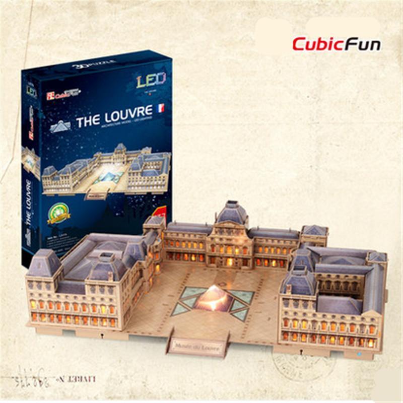The Louvre LED มีไฟประกอบ Size 52*34*13 cm Total 137 pcs.
