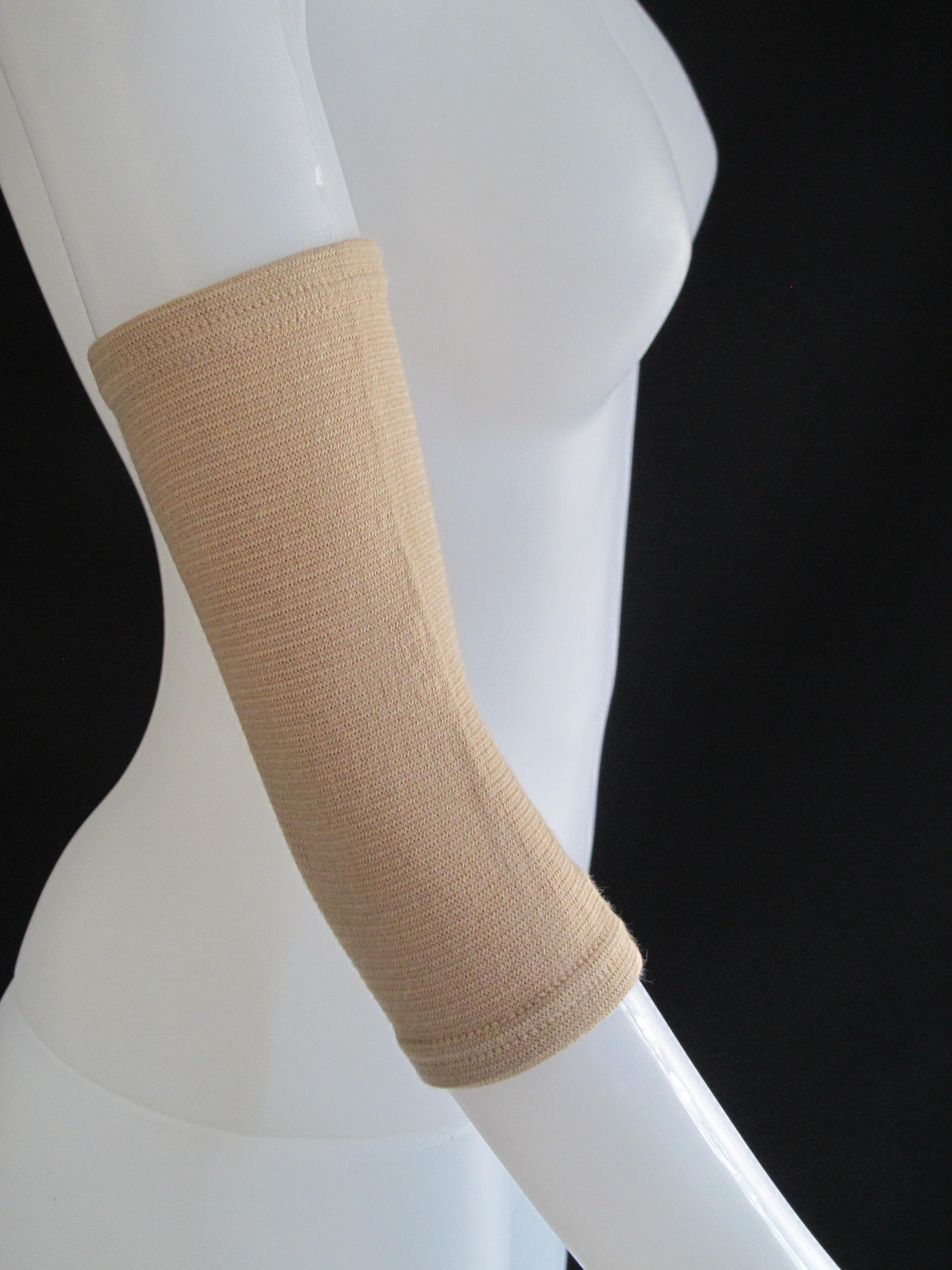 Elbow Support พยุงข้อศอก Size M (10.5-11.5 นิ้ว)
