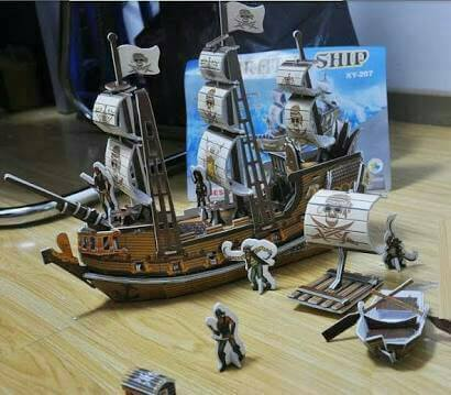 Pirate Ship Main body Size 39*10*28 cm.