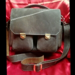 กระเป๋าถือและสะพายหนังแท้ (Handmade)