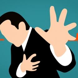 เจ็บแน่นหน้าอกหรือลิ้นปี่ รู้สึกจะเป็นลม อาจอันตรายถึงชีวิต ต้องรีบพบแพทย์โดยด่วน
