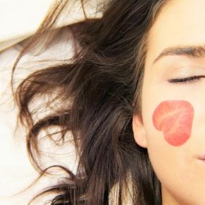 4 วิธีขจัดริ้วรอยมุมปากให้อยู่หมัด