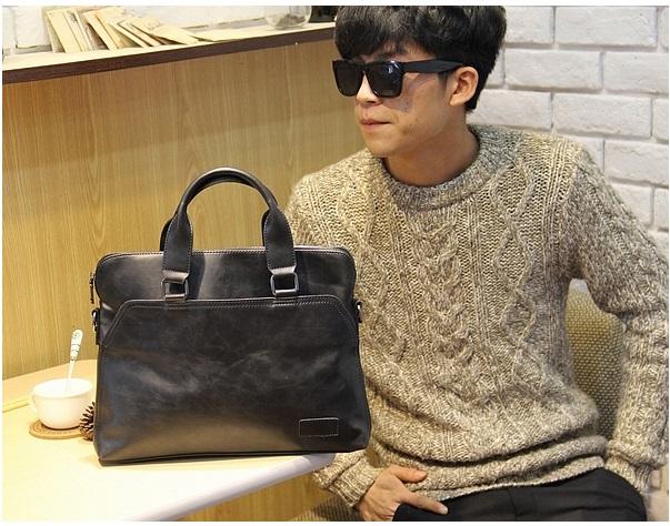 กระเป๋าถือ Boy (Black)