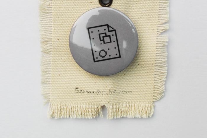 pin botton014