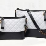กระเป๋าหนังแกะ gabrielle bag size 20 (สีขาว-ดำ)