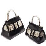 กระเป๋าหนังแท้ boyy karl รุ่น limited (หนังวัว ขัดมันเงา ลายงู) Size 25 cm
