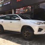 Toyota Fortuner +TE37 18x9+0 6-139.7